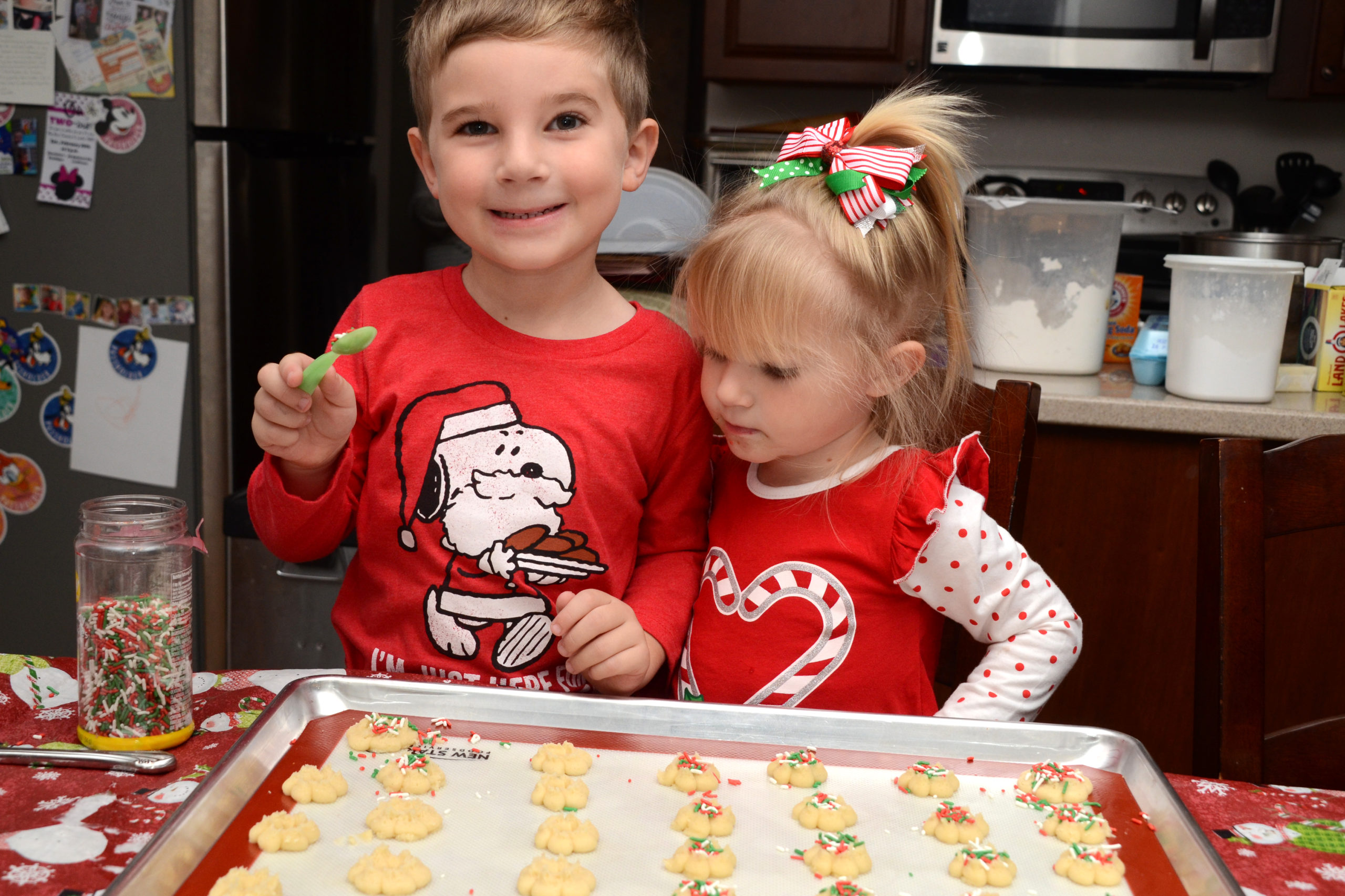 Living with Littles: Christmas Cookie Traditions (plus recipes!)